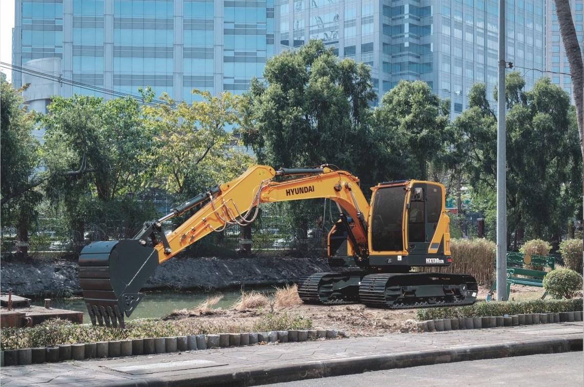 HX130 LCR, noul excavator de la Hyundai