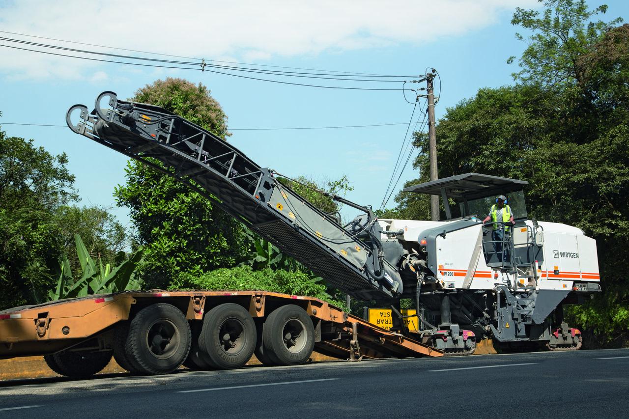 Freza W 200 reabilitează o întreagă rețea de autostrăzi din Brazilia