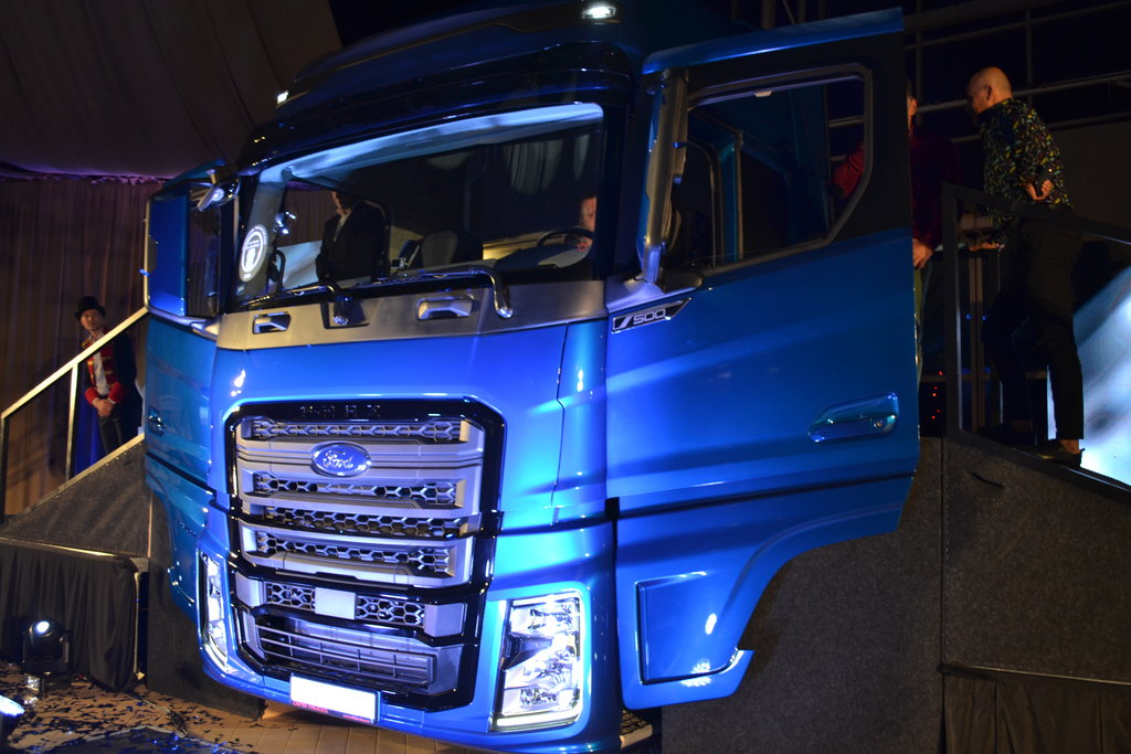 Noul F-MAX, cel mai mare membru al familiei Ford Trucks