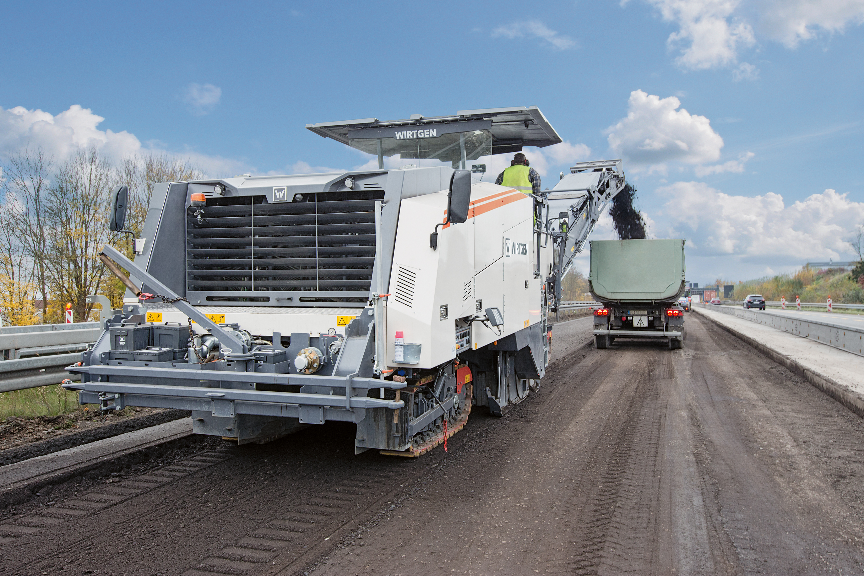 Maşinile de reciclare a asfaltului, soluţia viitorului