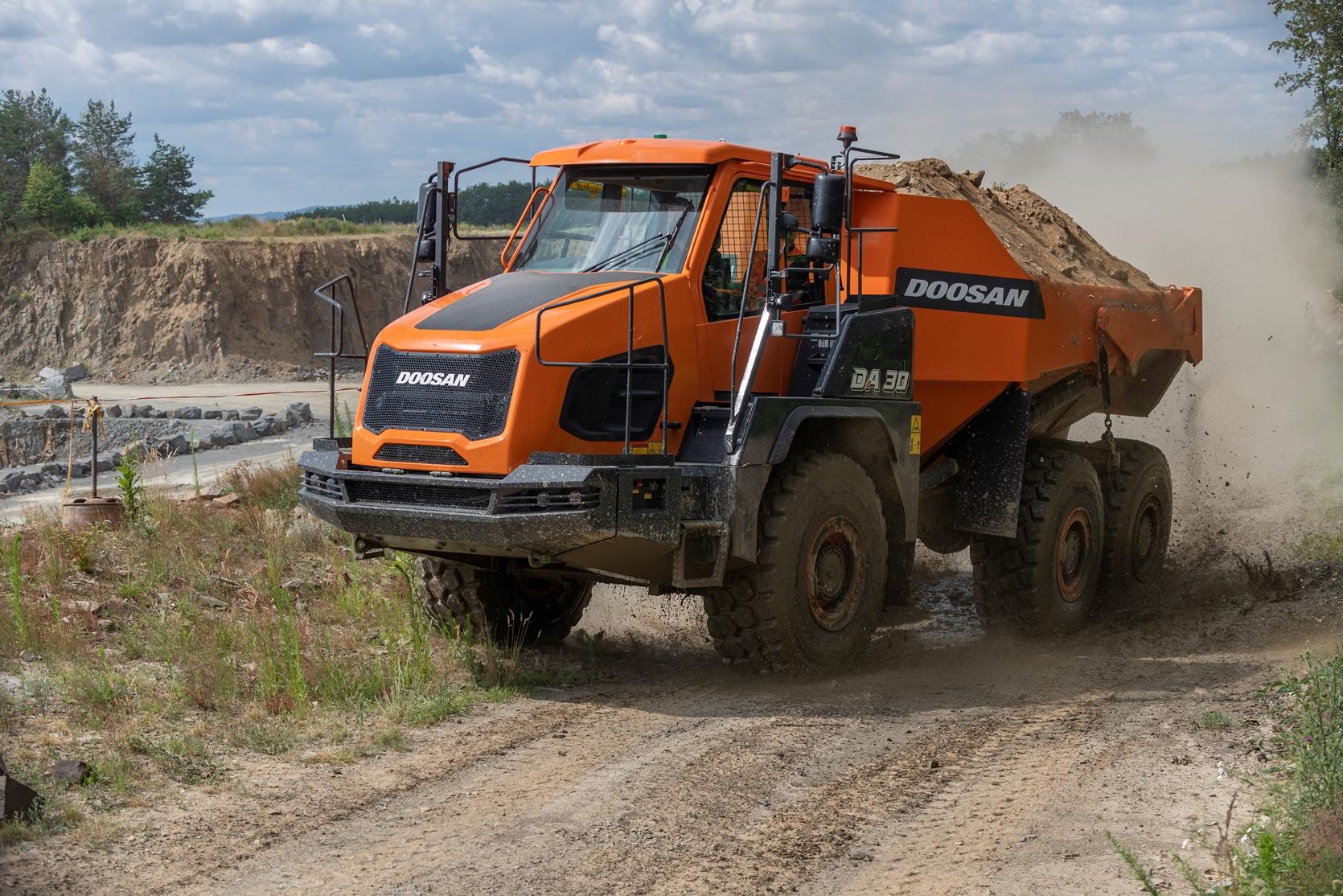 Noua gamă de camioane articulate de la DOOSAN