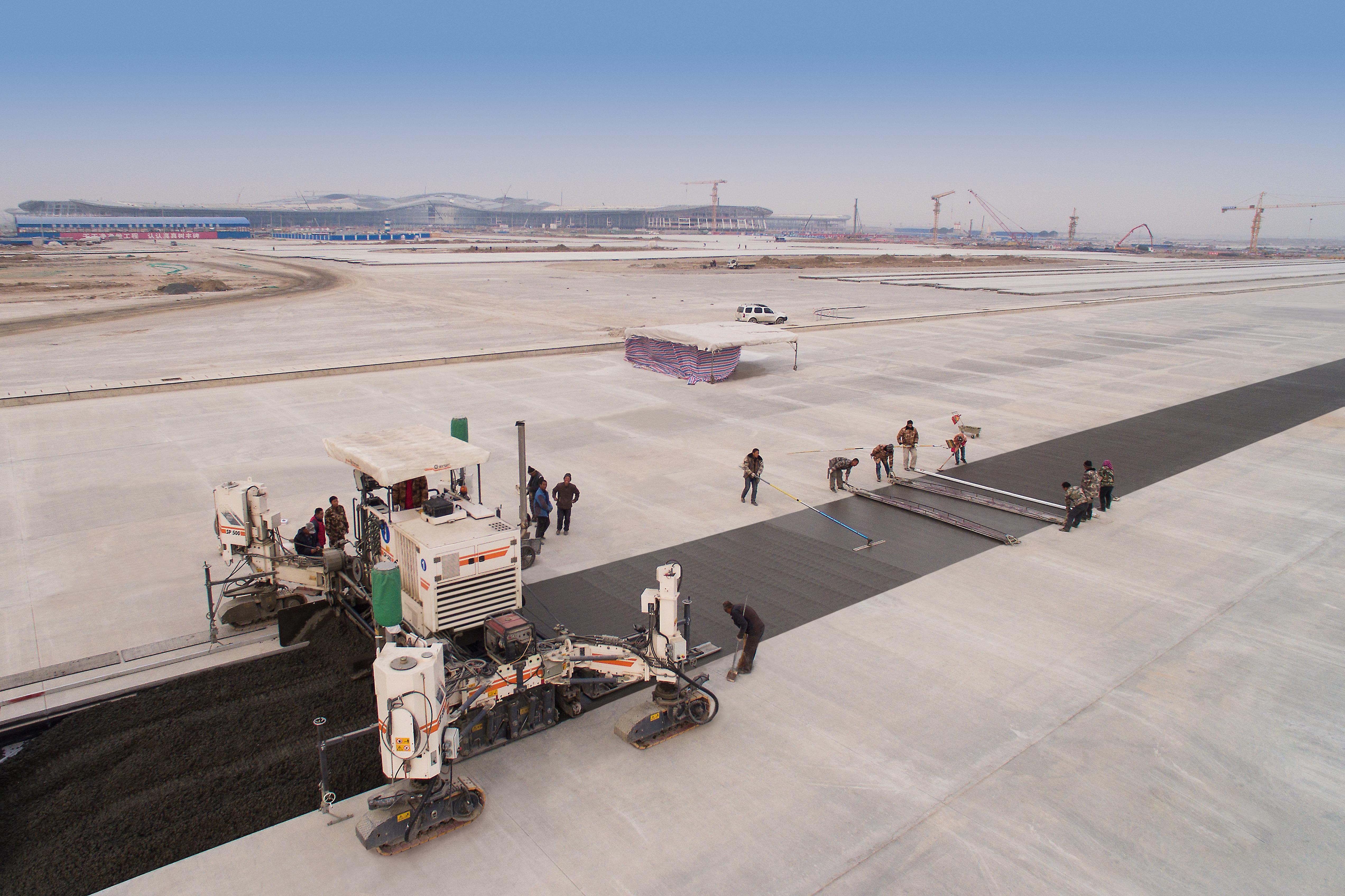Finisoarele de beton inset Wirtgen de înaltă precizie