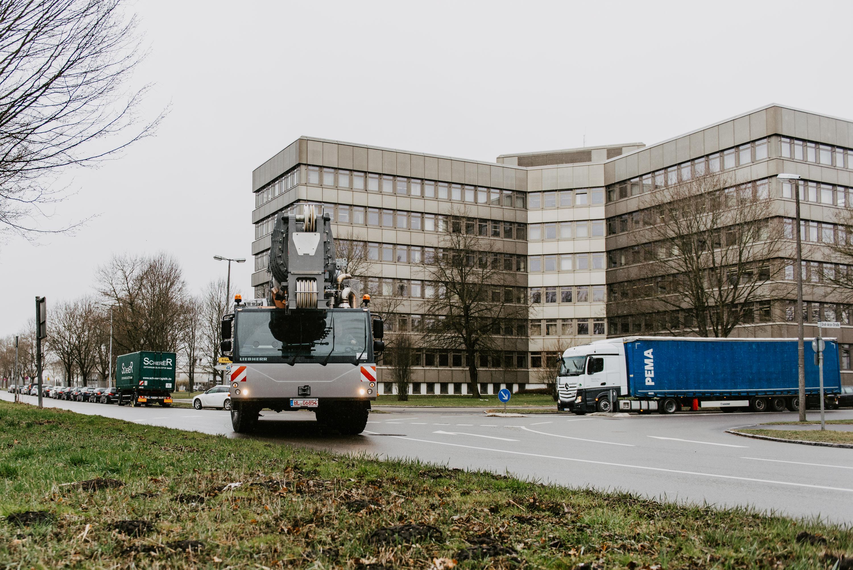 Macarale mobile Liebherr îndeplinesc cu strictețe standardul de emisii Euro VI c  la deplasarea pe drumurile publice