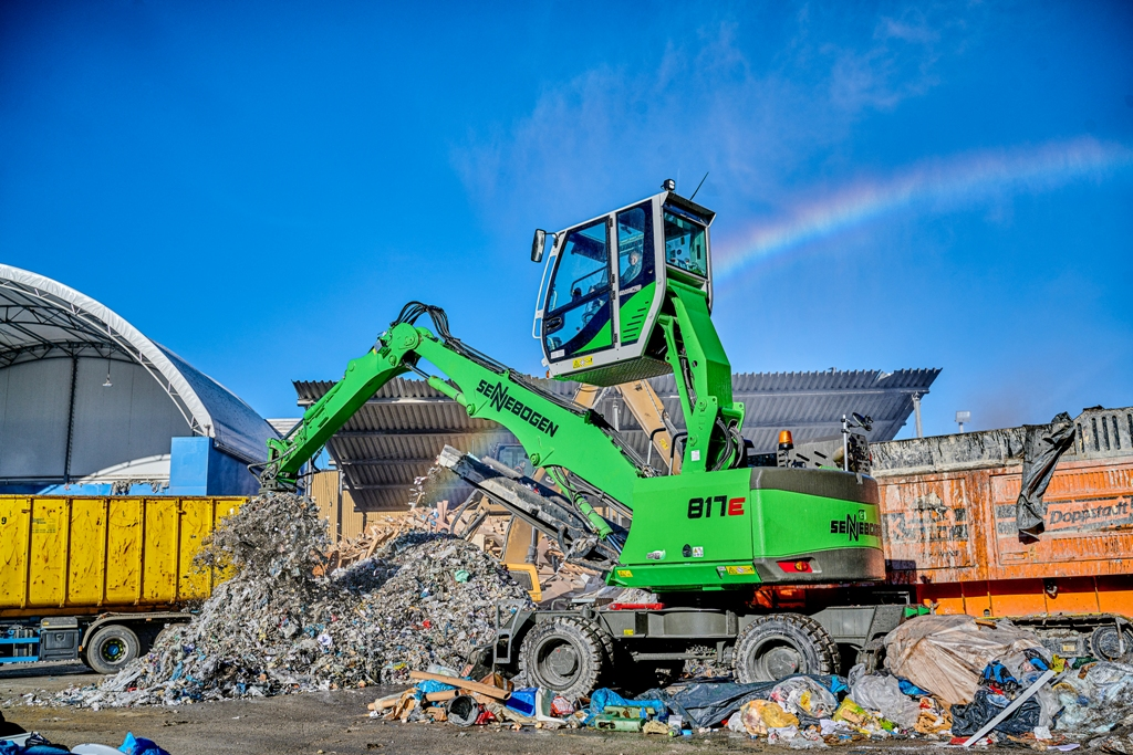Sennebogen 817 E, ideală pentru orice tip de reciclare
