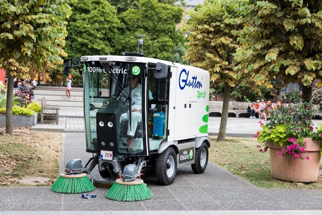 GLUTTON ZEN – automăturătoare electrică pentru spații urbane