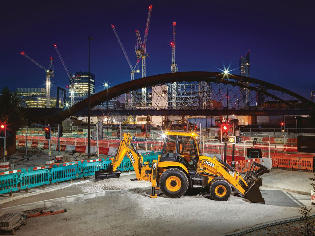 Noul buldoexcavator 3CX ECO de la JCB, mai economic și mai performant