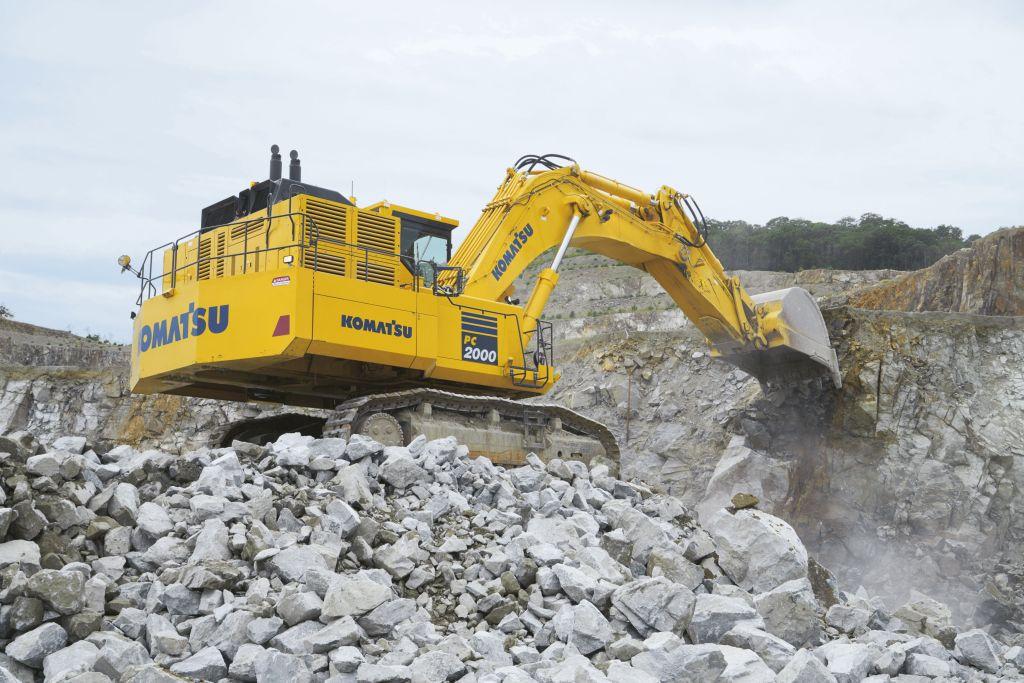 Komatsu prezintă noul excavator hidraulic PC2000-11