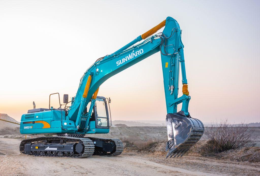 Performanțele de top pe care vi le oferă  excavatorul Sunward 215F